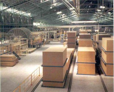 Darbas medienos gamykloje